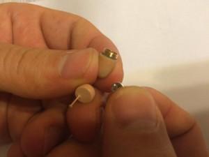 introducere bateria in casca micspy
